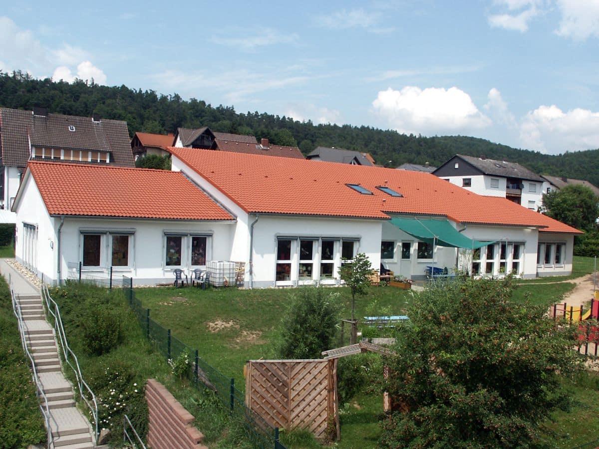 Kindergarten | 2002